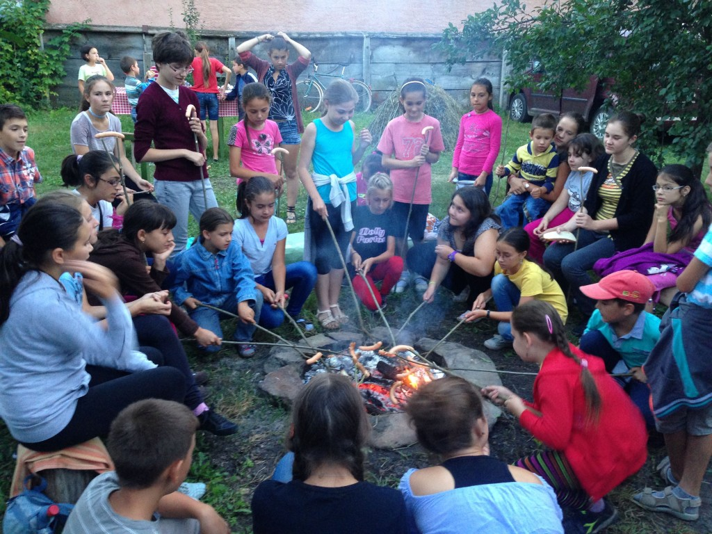 English Camp, Kászonaltíz (RO), 2015 - Hot Dog sütés